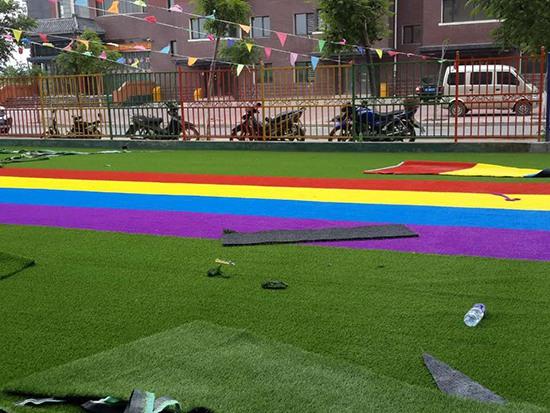 朝阳童星幼儿园草坪