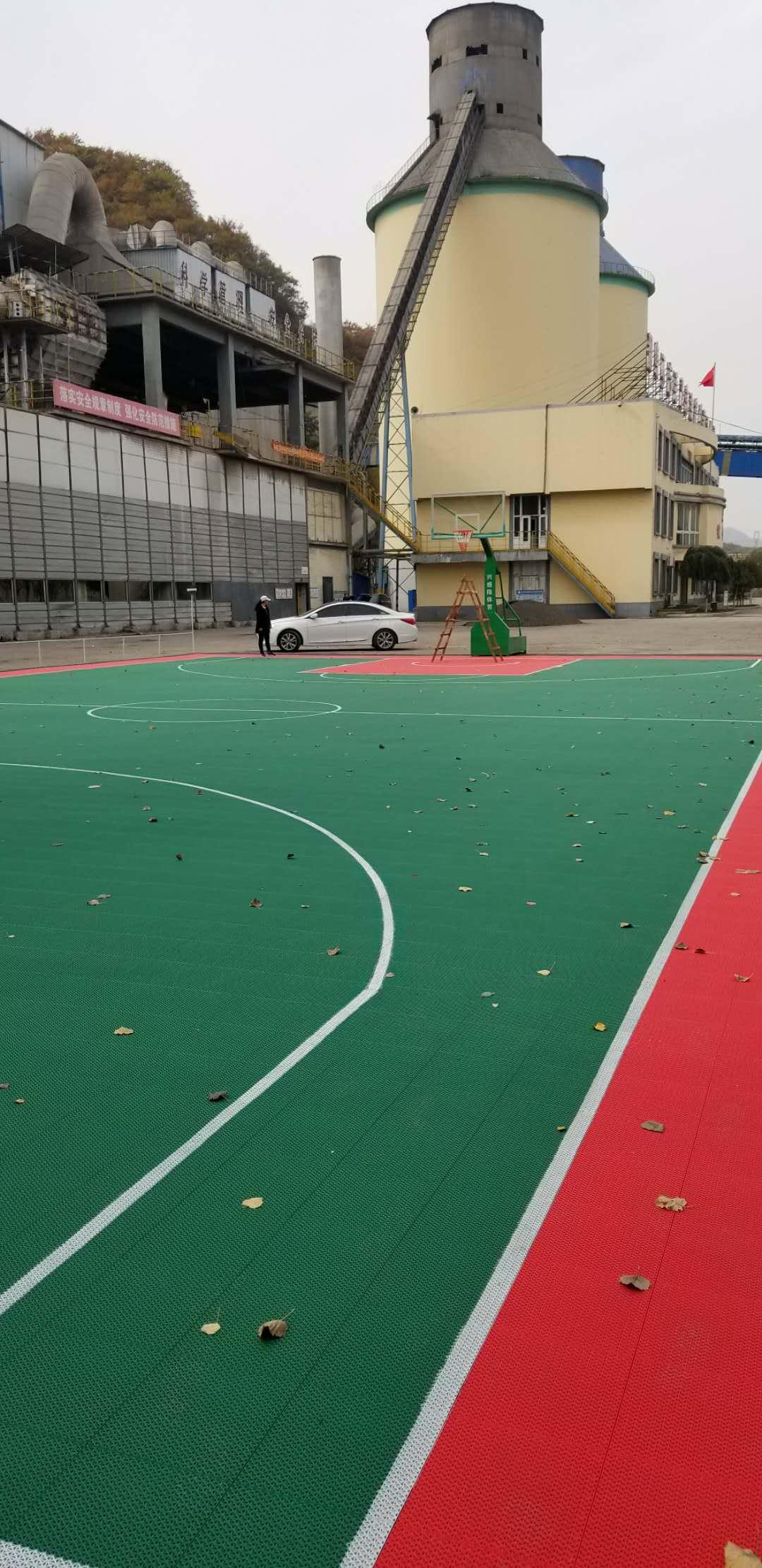 本溪山水工源水泥厂悬浮千赢国际客户端篮球场