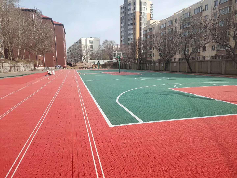 沈阳第一私立中学悬浮千赢国际客户端篮球场