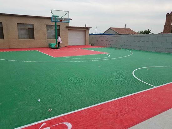 佟二堡悬浮千赢国际客户端篮球场